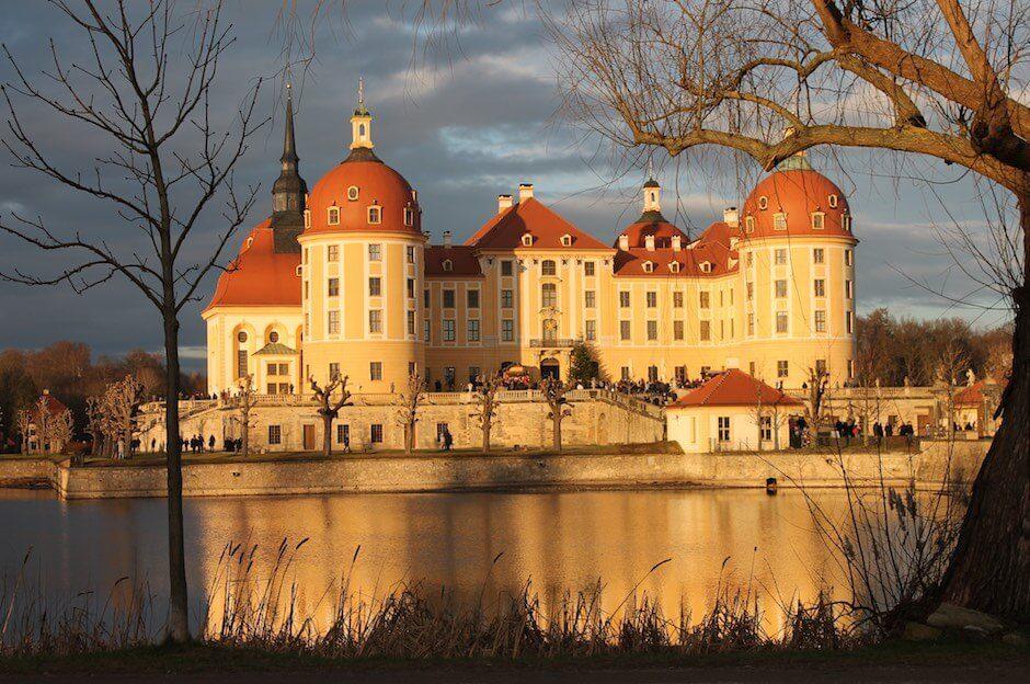 Moritzburg Vorderansicht Sonnenuntergang
