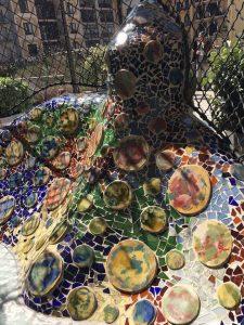 Antoni Gaudi bunte Scherben