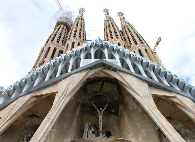 Sagrada Familia von der Passionsfassade aus