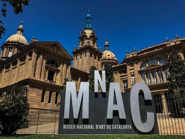 Barcelona bei Regen Nacional Art Museum Catalunya