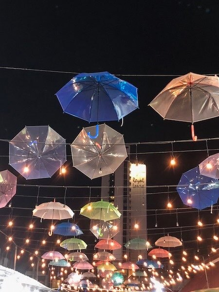 Regenschirme Night Market Deko Chiang Mai