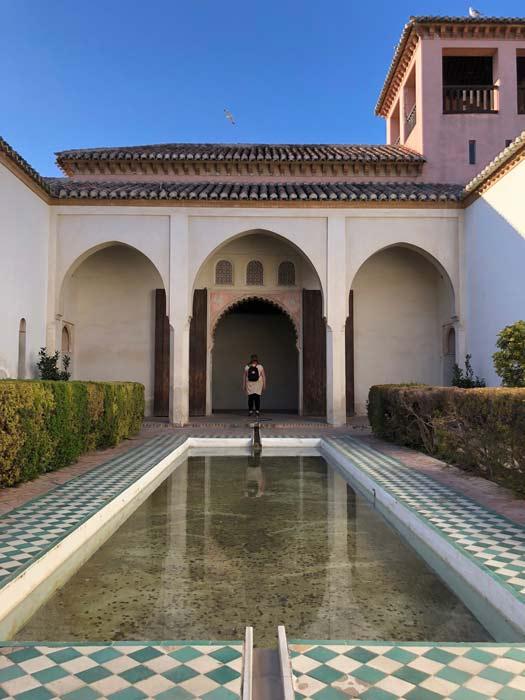 Innenhof Alcazaba Wassergraben Malaga