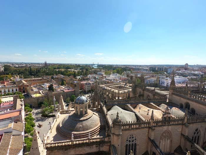 Blick Kathedrale Sevilla von oben