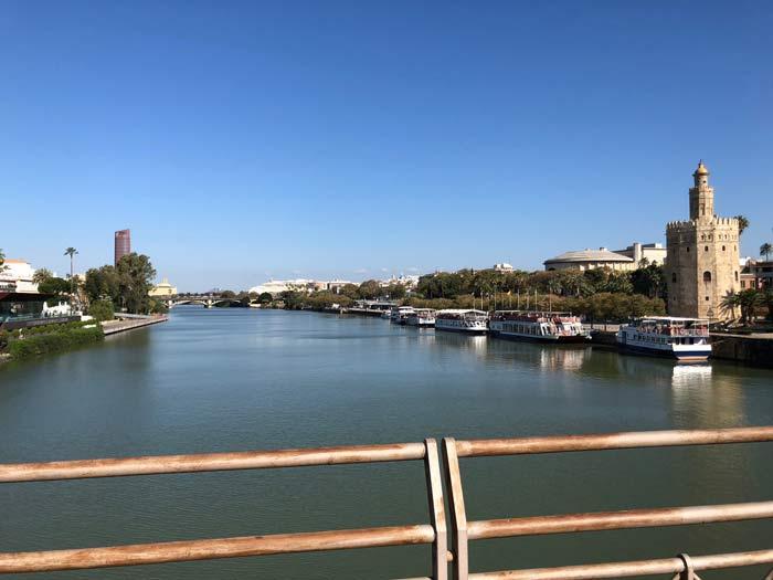Guadalquivir Fluss mit Torre del Oro