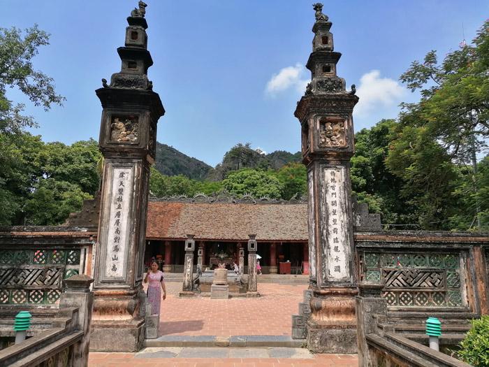 Tempeleingang in Hoa Lu bei Ninh Binh