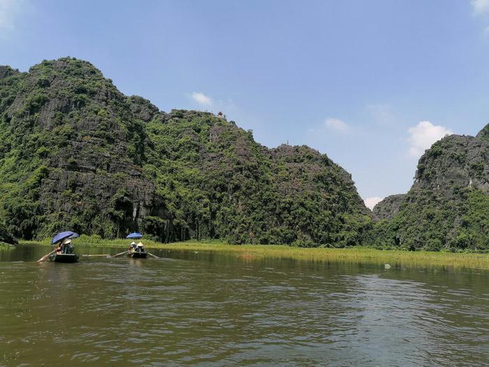 Bootstour Tam Coc bei Ninh Binh mit Reisfeldern