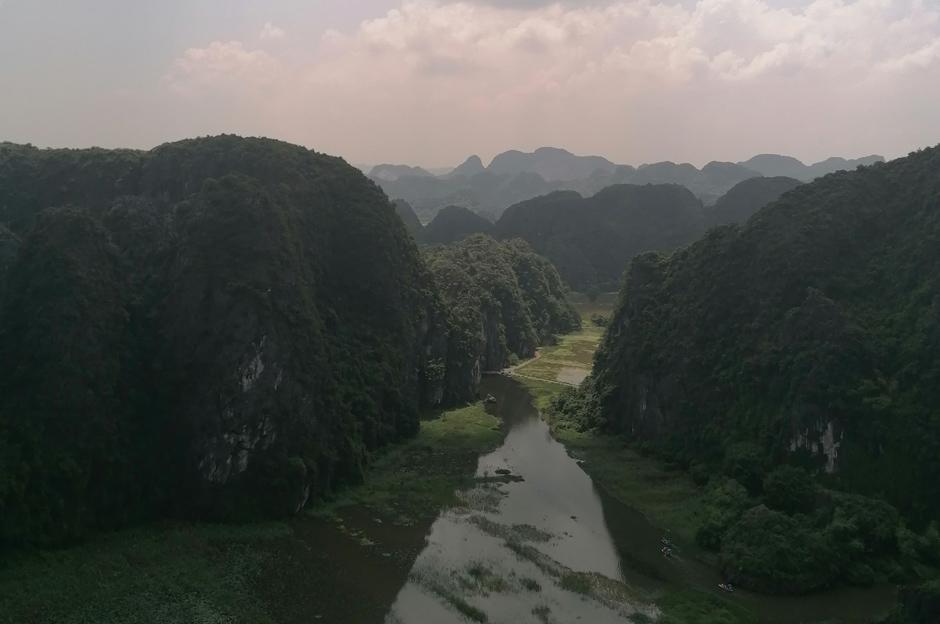 Blick von Hang Mua auf Tam Coc in besonderem Licht