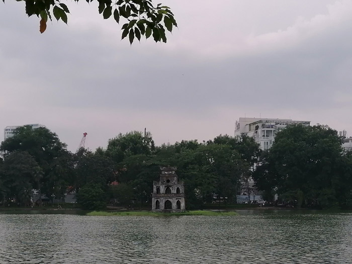 Hoan Kiem See mit Schildkrötenturm