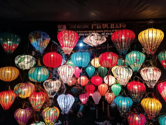 Lampion Verkauf am Nachtmarkt