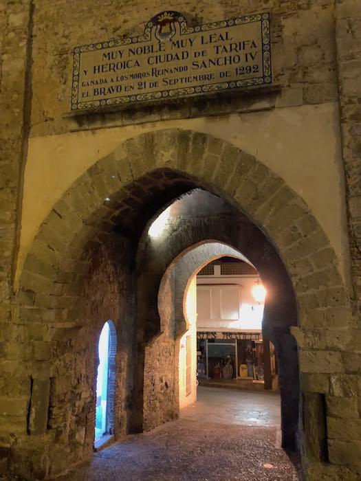Puerta de Jerez am Abend