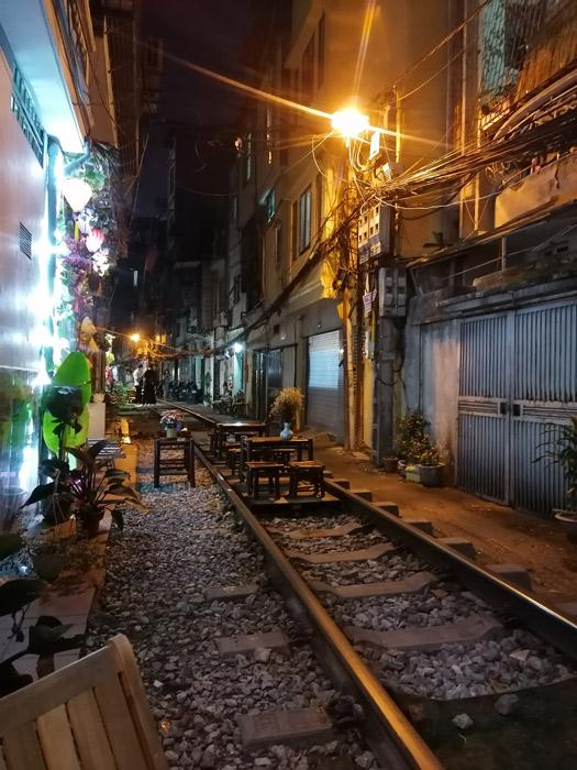 Train Street Tisch auf Gleise