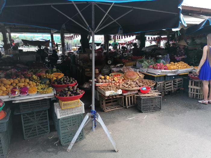 Markt Hoi An Obst und Gemüse