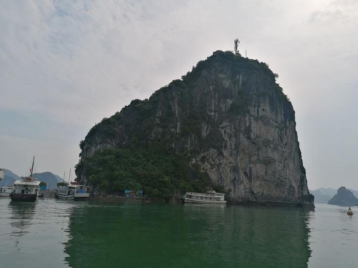 Titop Island vom Meer aus
