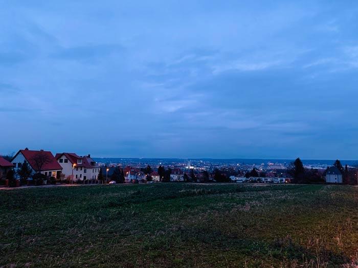 Ausblick auf Dresden hinter der Begerburg