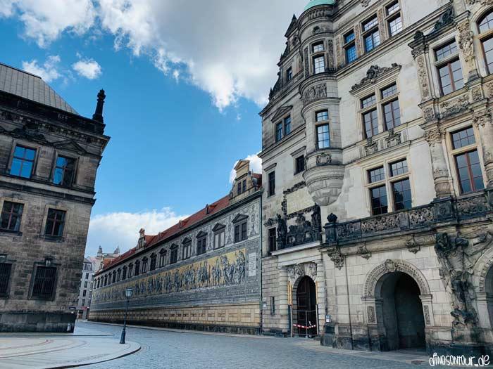 Fürstenzug Dresden direkt neben dem Residenzschloss