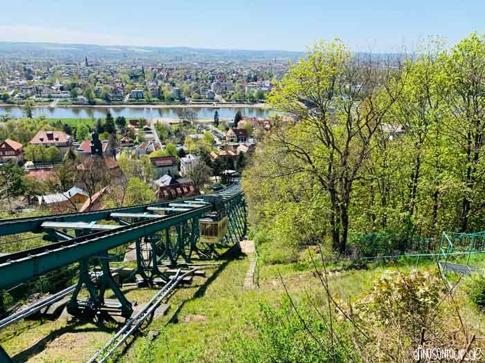 Ausblick Blasewitz von Schwebebahn Loschwitz