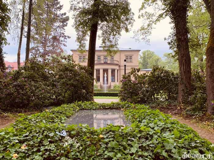 Blick vom Grab Richard Wagner auf die Villa Wahnfried