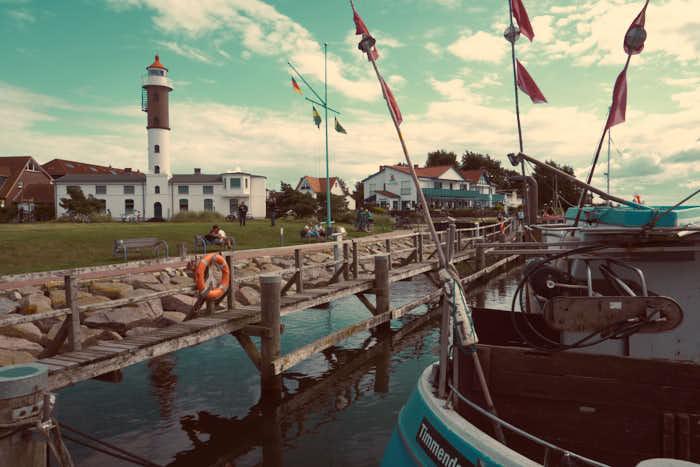 Timmendorf Hafen mit Leuchtturm