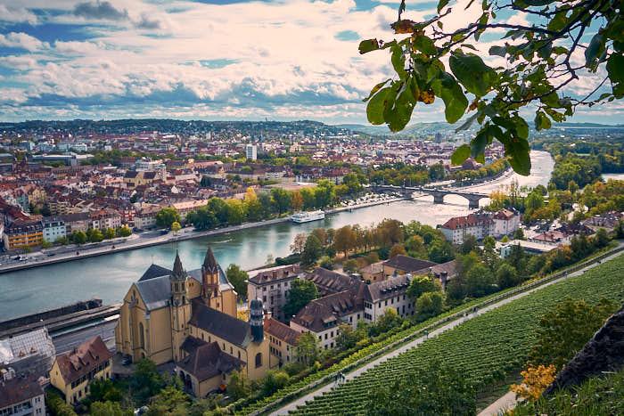 Blick auf den Main und den Würzburger Süden