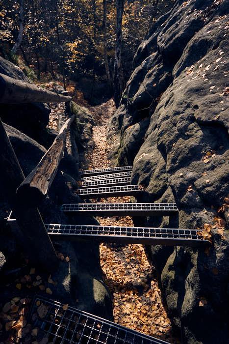 Metallstufen auf dem Malerweg Gohrisch Aufstieg