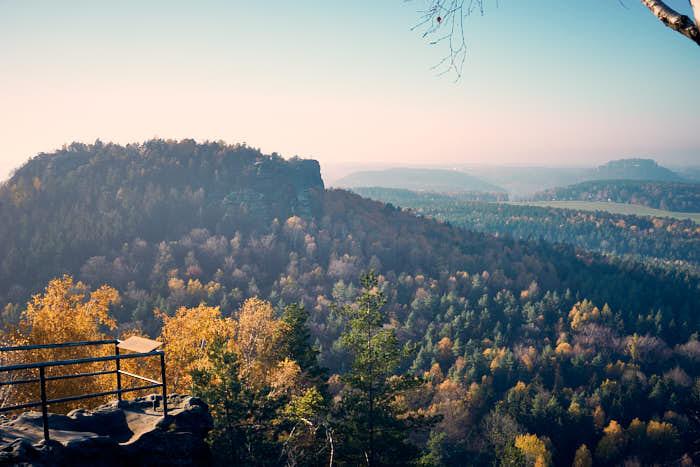 Blick vom Papststein auf den Gohrisch und Festung Königstein