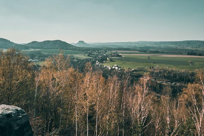 Ausblick vom Kohlbornstein in Richtung Lilienstein und Papstdorf
