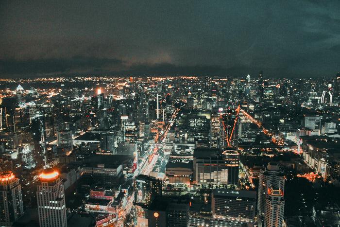 Bangkok Skybar bei Nacht in Thailand