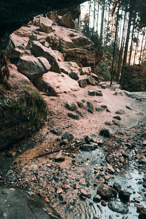 Gautschgrotte Höhle mit Wassertropfen