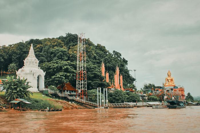 Goldener Buddha am Goldenen Dreieck
