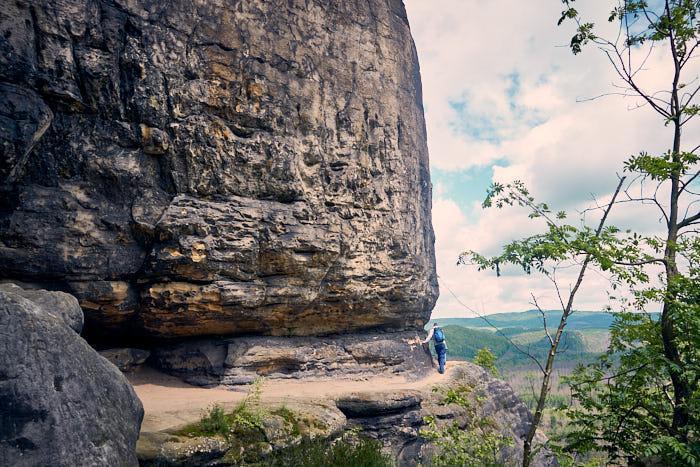 Idagrotte Ansicht Wanderpfad