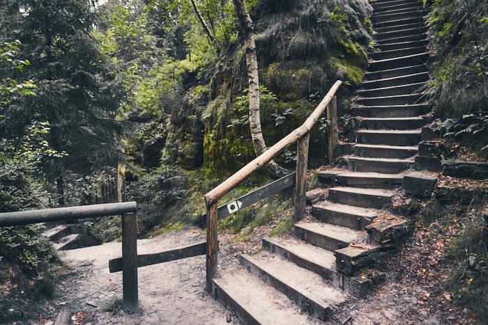Schießgrund Abzweig zum Elbleitenweg Treppe