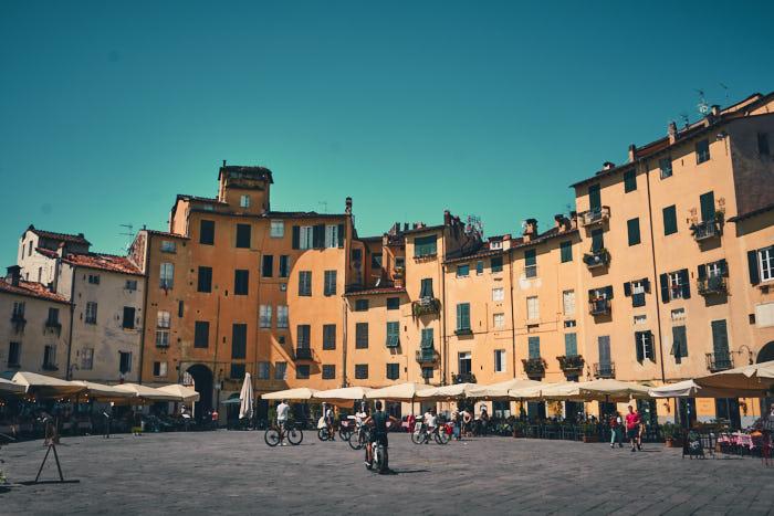 Piazza dell Anfiteatro Lucca