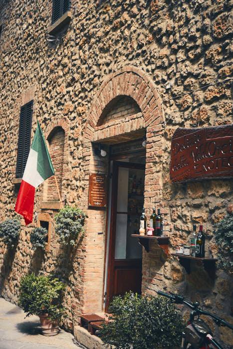 Restaurant Pienza mit Italien Fahne
